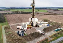 Exploration drilling: features and equipment. Assistant driller operating and exploration drilling