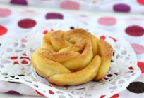 How to make roses out of dough: recipes