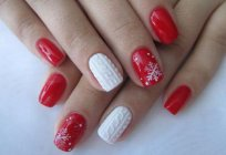 Manicure with red color and pattern (photos)