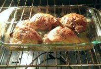 Chicken legs with garlic and mayonnaise, baked in the oven: quick and delicious recipes