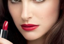 How to paint lips right red lipstick step by step (photo)